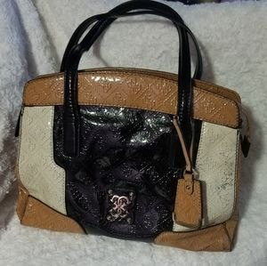 Guss Shoulder Bags